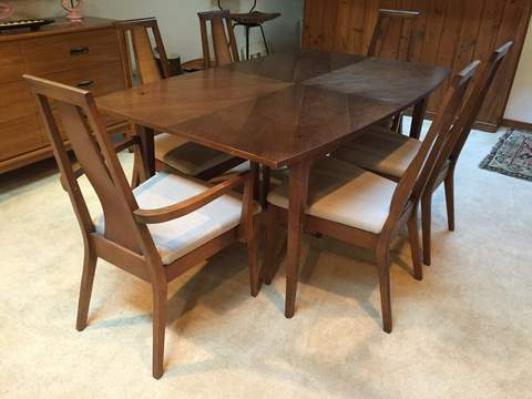 Beautiful Mid Century Dining Set By American Of Martinsville