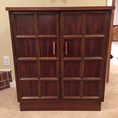Vintage Collapsible Liquor Cabinet By Lane Furniture