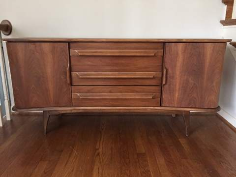 Matching Set Of Mid Century Dressers By United Furniture