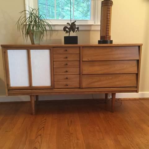 Mid Century Modern Vintage Credenza Dixie Furniture Co.