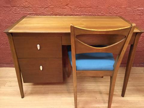 Vintage Mid Century Desk By Drexel Profile