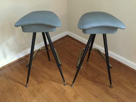 Brilliant Mid Century Modern Three Legged Atomic Age Bar Stools Gray Dailytribune Chair Design For Home Dailytribuneorg