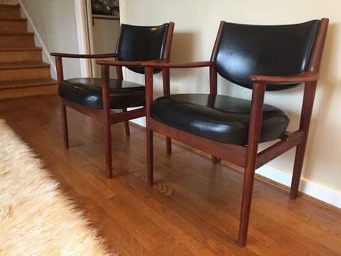 https://epochfurnishings.com/wp-content/uploads/2016/12/15-Mid-century-modern-black-vinyl-walnut-armchairs-lounge-12-16-2016-3-24-48-PM.jpg
