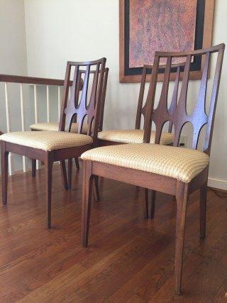 Beau Mid Century Modern Broyhill Brasilia Dining Chairs