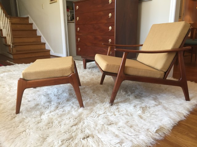 mid century modern swooped arm walnut lounge chair & ottoman in