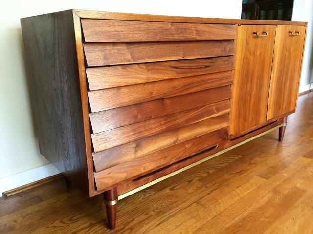 mid century modern walnut credenza dania series American of Martinsville designed by Merton Gershun