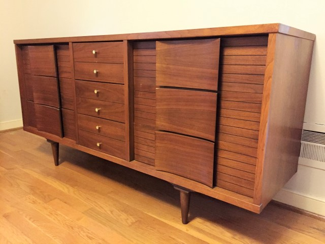 Mid Century Modern 9 Drawer Dresser By Johnson Carper