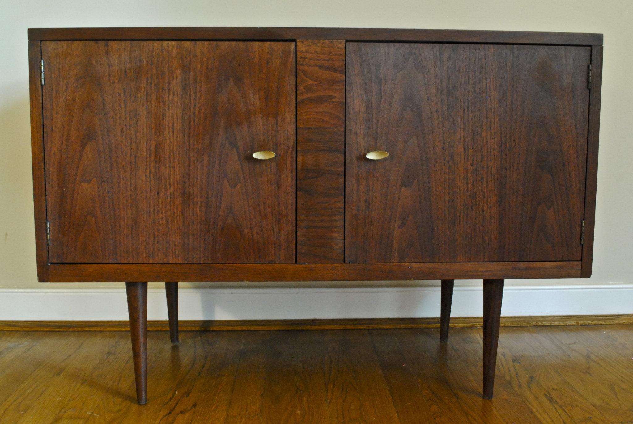 mi-century-modern-storage-cabinet-tapered-legs