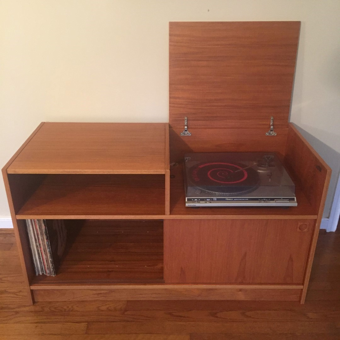 If You Have A Turntable And Re Into Vinyl This Danish Teak Audio Console Will Come In Pretty Handy There Is Plethora Of Al Storage On The Lower