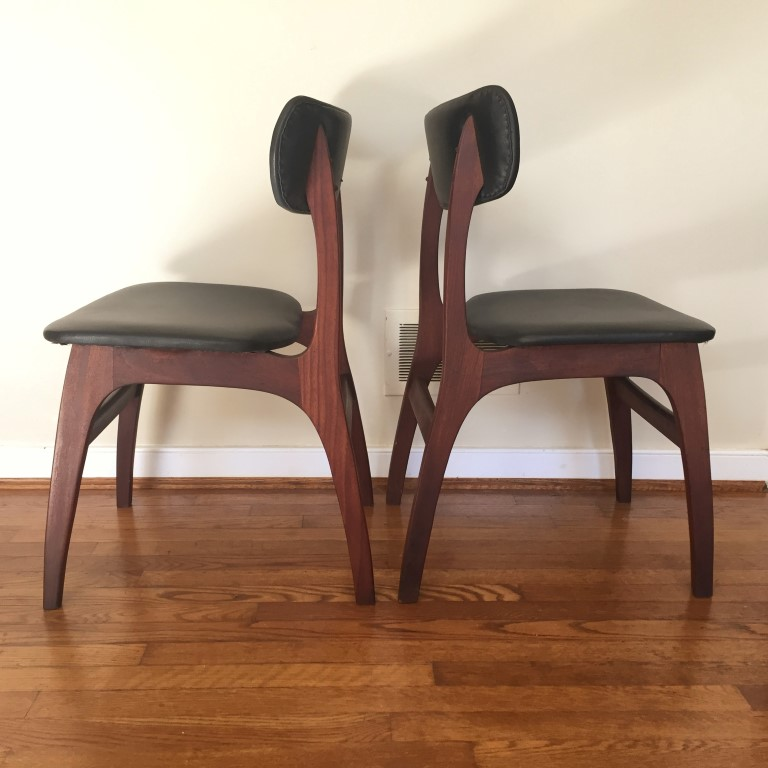 Superieur Danish Modern Walnut Dining Chair Set, Black Naugahyde Upholstery