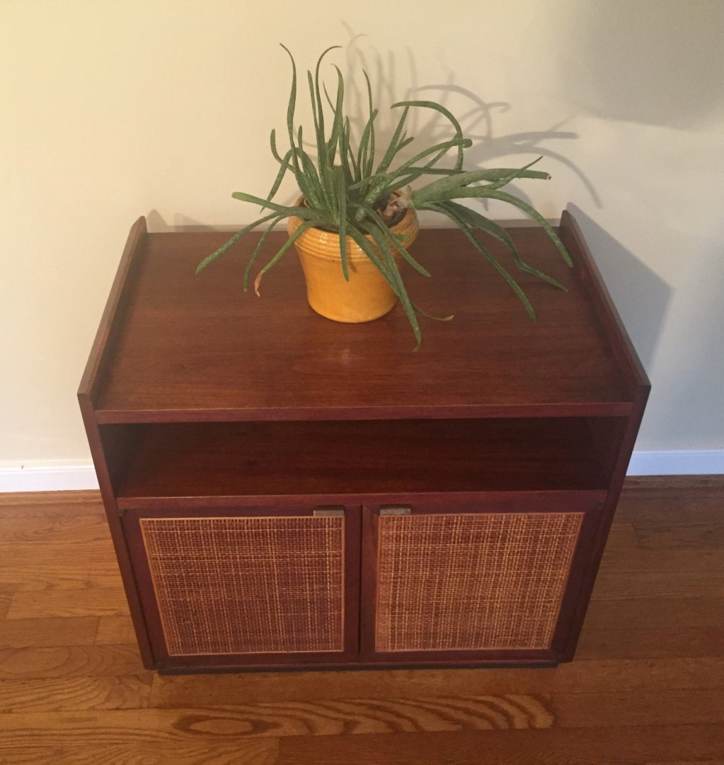 Mid Century Modern Walnut Turntable Amp Record Storage
