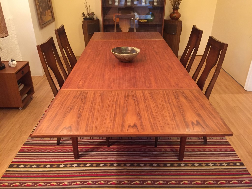 Vintage Danish Teak Dining Table With Hidden Leaves EPOCH - Teak dining table with leaf
