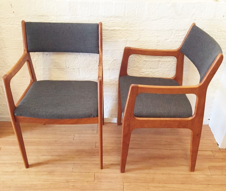 Danish Modern Dining Set With 8 Newly Upholstered D Scan