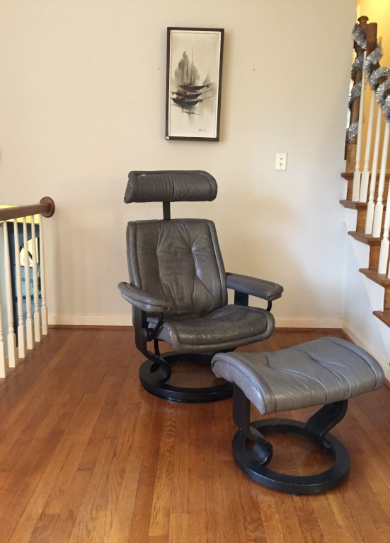 Norwegian stressless lounge recliner with ottoman leather by Ekornes