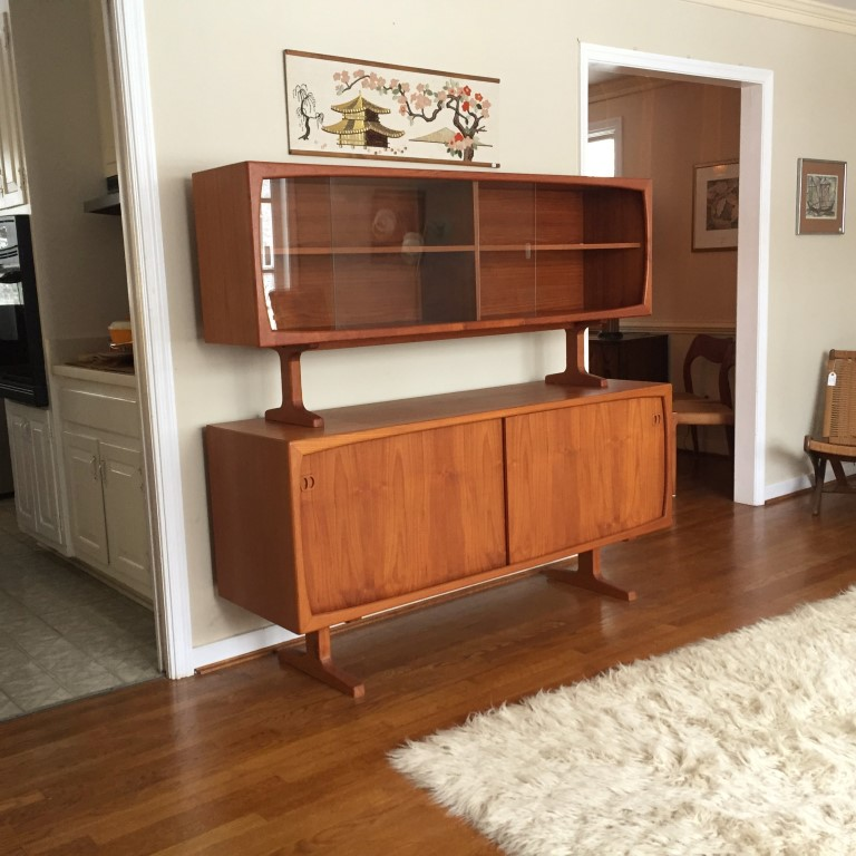 Danish teak sideboard with glass front top cabinet by for Sideboard glasfront