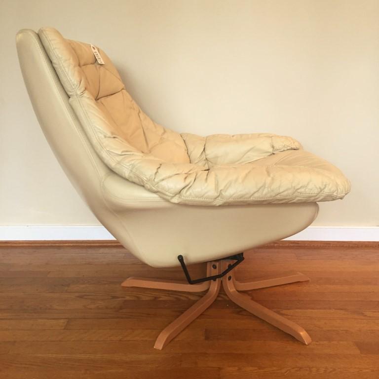 mid century modern leather lounge chair ottoman HW Klein