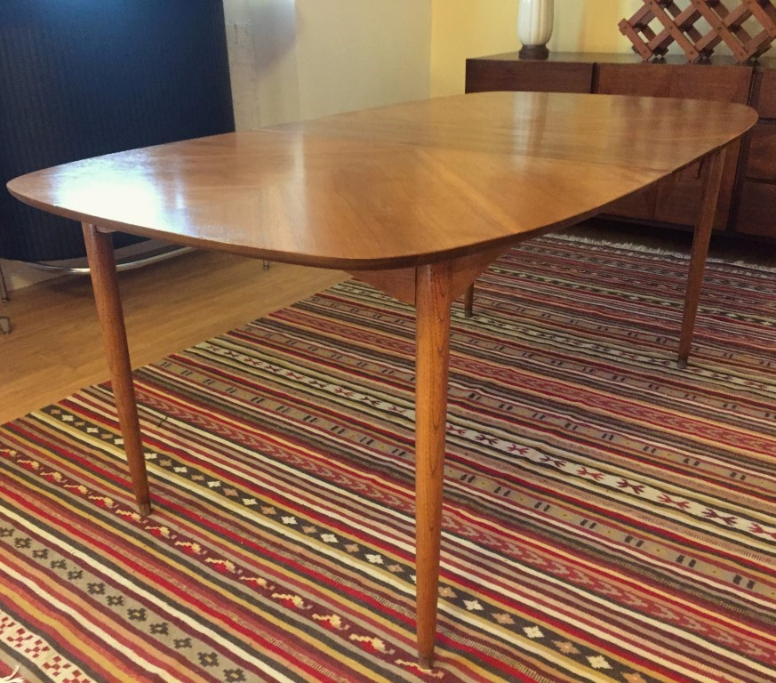 vintage mid century ding table chairs hooker pecan