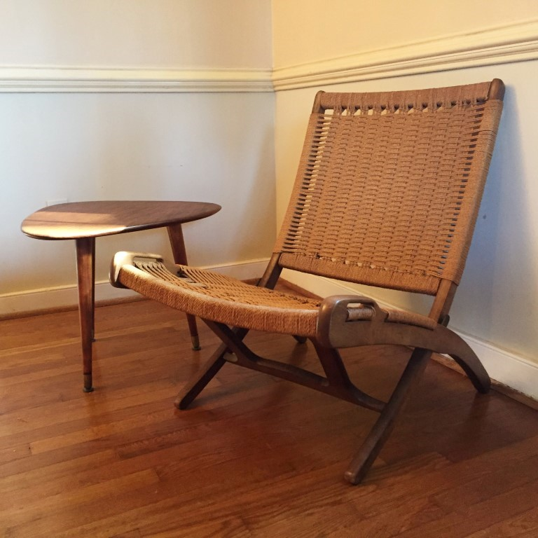 Vintage Mid Century Modern Folding Rope Chair In The Style