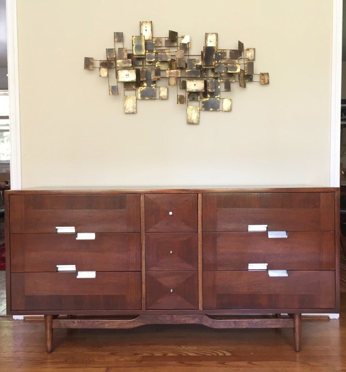 Mid Century modern walnut triple dresser American of Martinsville