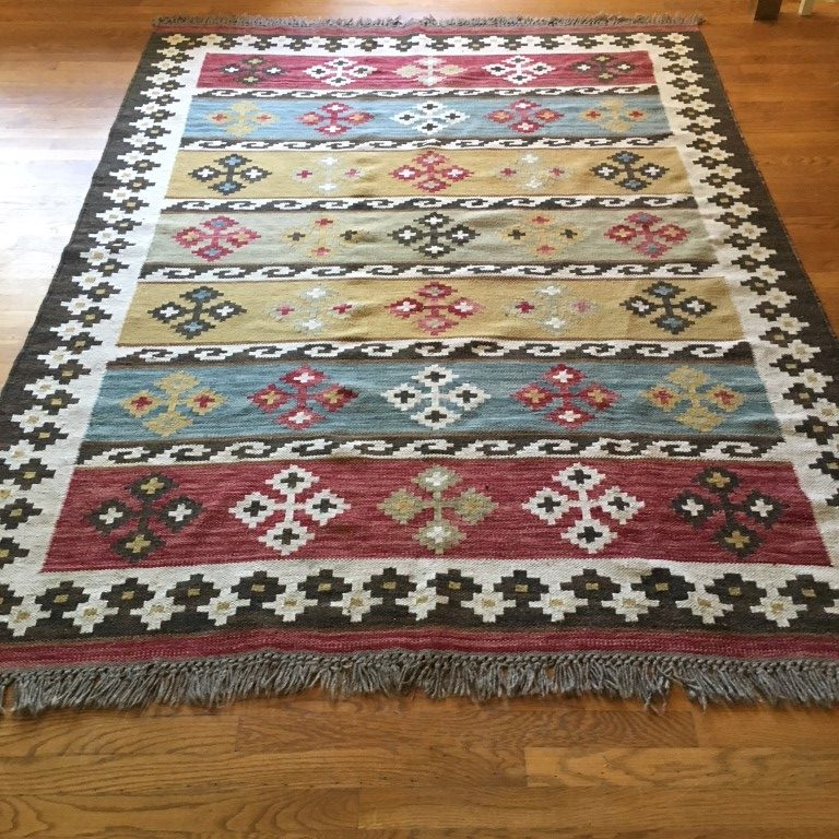 hand knotted rug vegetable dye