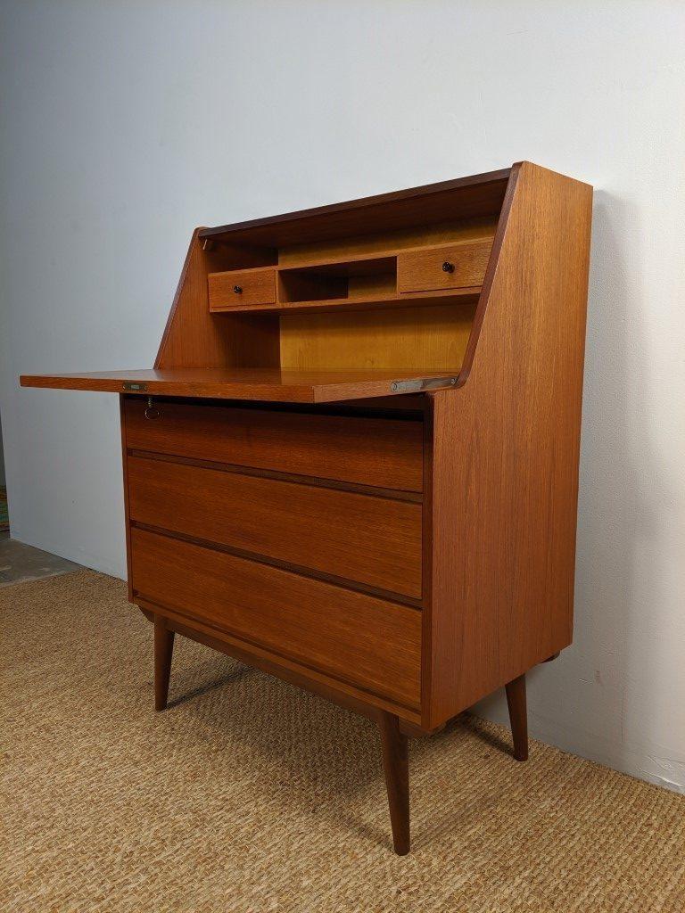 Picture of: Scandinavian Modern Teak Secretary Desk Solid Rosewood Accents By Rolv Austvoll Epoch